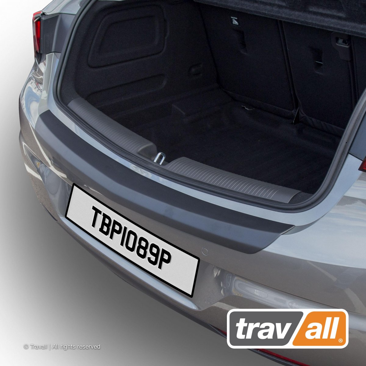 Travall® PROTECTOR-parachoques liso para Opel/Vauxhall Astra Hatchback (2015 >)