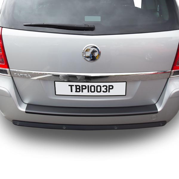Travall® Protector-parachoques liso para GM/Opel/Vauxhall Zafira (2005-2014)