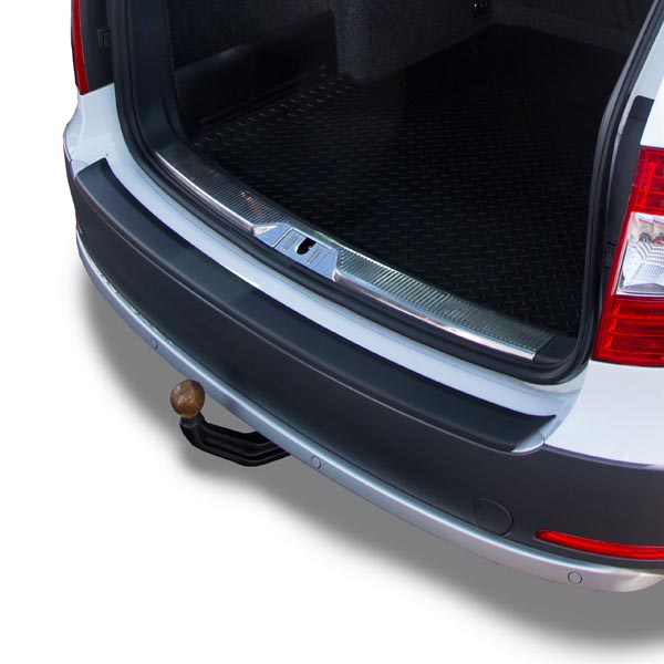 Travall® Protector-parachoques liso para Skoda Superb Familiar (2013-2015)