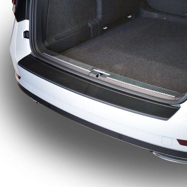Travall® Protector-parachoques liso para Skoda Superb Estate (2015 >)