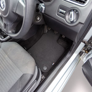 Travall® MATS [RHD] for Volkswagen Amarok (2010 - )