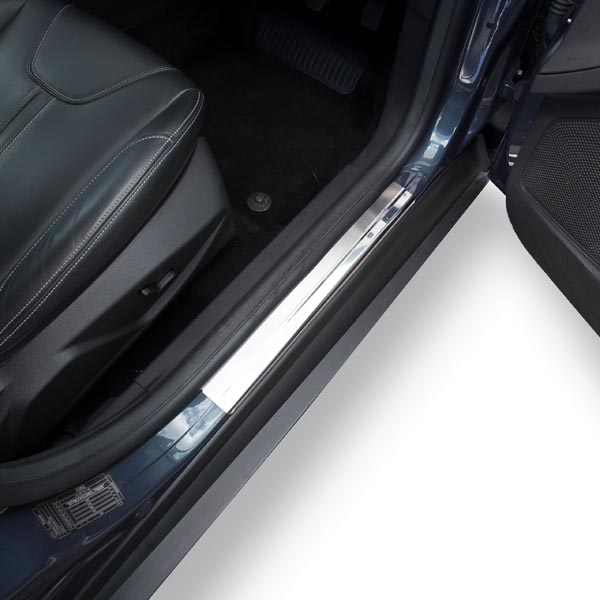 Travall® Sillguards para Ford Focus 5 Puertas Hatchback (2010 >)